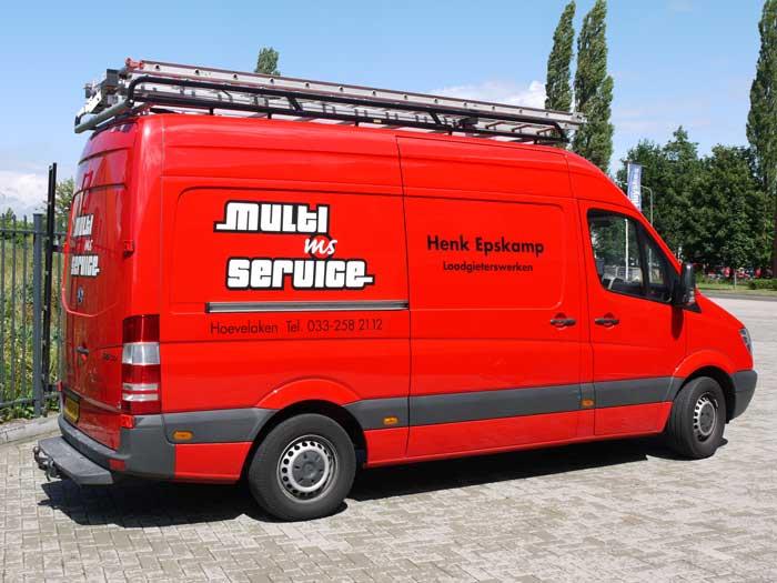 Herkenbare bus van Multi Service Henk Epskamp uit Hoevelaken