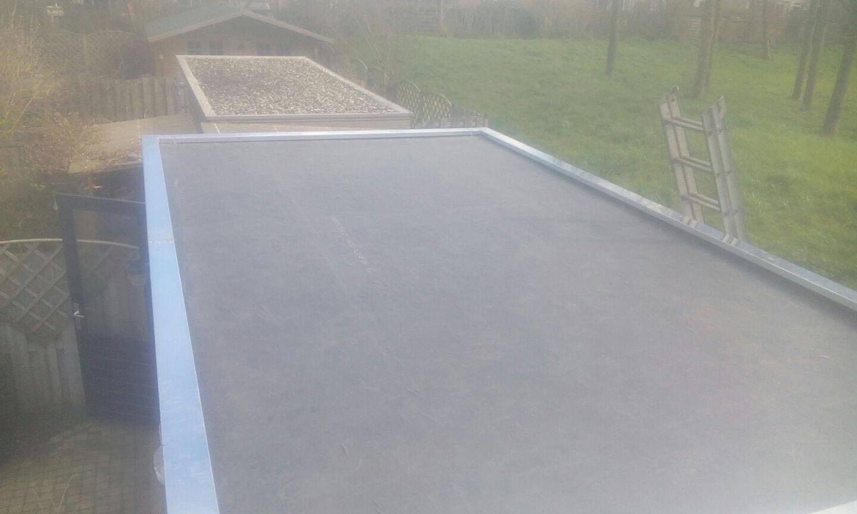 EPDM dakbedekking, aangebracht op schuur in Zeewolde door Epskamp Loodgieters