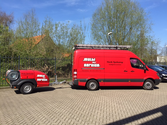 Loodgieter in Hoevelaken. Ontstoppingskar Smart trailer pro 150/40.